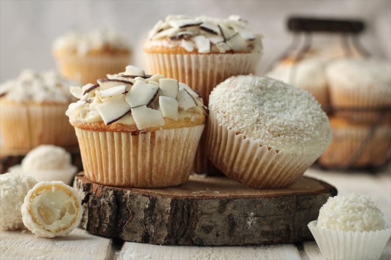 Kokos-Muffins mit Raffaello-Kern