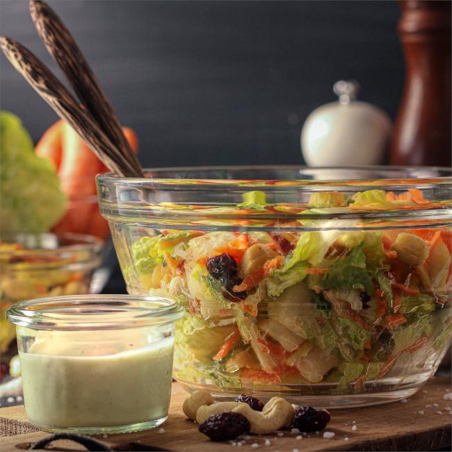 Möhre Apfel Salat mit Joghurt-Dressing